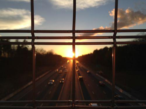 barai,tvora,greitkelis,greitkelis,kelias,gatvė,eismas,automobiliai,saulėlydis,dusk,aušra,twilight,dangus,debesys,saulė,vaizdas