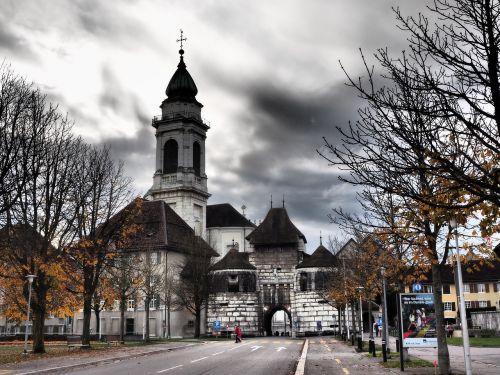 baseltor,solothurn,St Ursus katedra,nave,katedra,Šv ir Velerio katedra,St Ursen katedra,st-ruseno katedra,Romos katalikų,romėnų bažnyčios katalikų vyskupija,Šveicarija,ankstyvojo klasicistinio stiliaus,bažnyčios pastatai,bažnyčia
