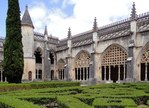 Batalha,vienuolynas,Mary laimėjo,architektūra,stilius,architektūra,manuelino stilius,maurų stilius,bokštas,kiparisas,atramos,vienuolynas