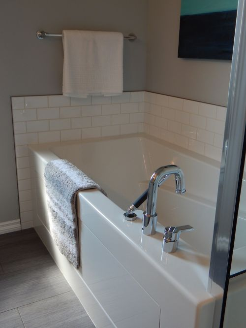vonia,vonia,vonia,vonia,maudytis,rankšluostis,čiaupas,plauti,namai,interjeras,dušas,higiena