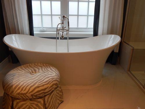 vonia,vonia,vonia,vonia,namai,balta,interjeras,prabanga,langas,higiena,šiuolaikiška,gyvenimo būdas,atsipalaidavimas,SPA,prabangus