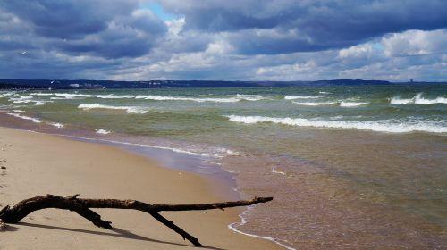 papludimys,jūra,Baltijos jūra,bangos,vanduo,žurnalas,Krantas,Baltijos jūros pakrantė,kraštovaizdis,vaizdas,Lenkija,debesys