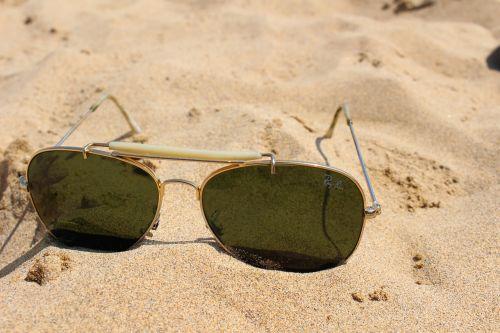papludimys,akiniai,akiniai nuo saulės,smėlis,vasara,saulė,laisvalaikis,atsigavimas,šventė