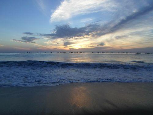 papludimys,vandenynas,nuostabus paplūdimys,smėlio paplūdimys jūra,smėlis
