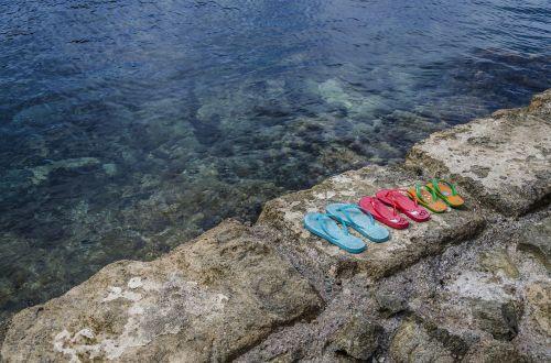 papludimys,šlepetės,gamta,vandenynas,lauke,akmenys,jūra,pajūris,Krantas,šlepetės,vanduo