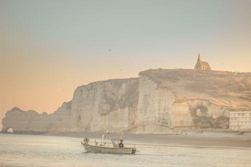 papludimys,kranto,uolos,Dover,paplūdimio galvą,uk,Britanija,Britanija,kanalas,valtis,žuvis,imigracija,imigrantai