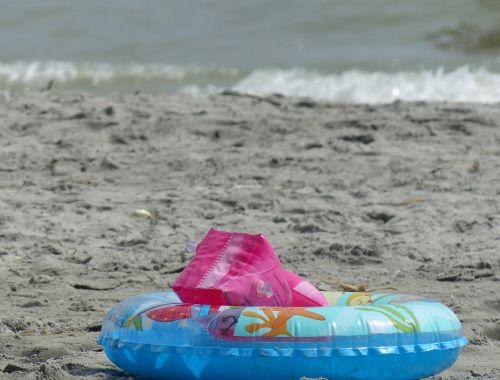 papludimys,maudytis,plūduras,saugumas,rankogalis,maudytis,vaikas,vasara,plaukti,jūra,šventė