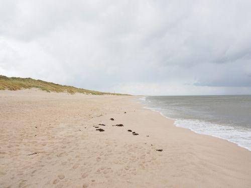 papludimys,jūra,smėlio paplūdimys baltas paplūdimys,švyturys,baltos švyturys,švyturių sąrašas į vakarus,sąrašas vakarų,sylt,alkūnė,kopos,kopų kraštovaizdis