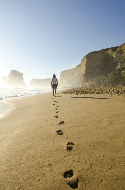 papludimys, pėdos, smėlis, vaikščioti, moteris, pėdsakai, pakrantė, žingsniai, vandenynas, kranto, vanduo, kelias, pajūris, pasivaikščiojimas, vaikščioti, vaikščioti, kelias, takas, spaudas