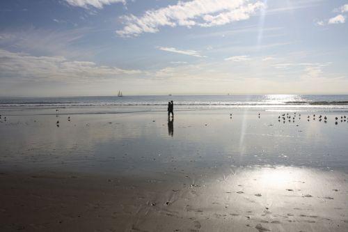 papludimys, romantika, bučinys, bučiavosi, meilė, Venecija, paplūdimio romantika