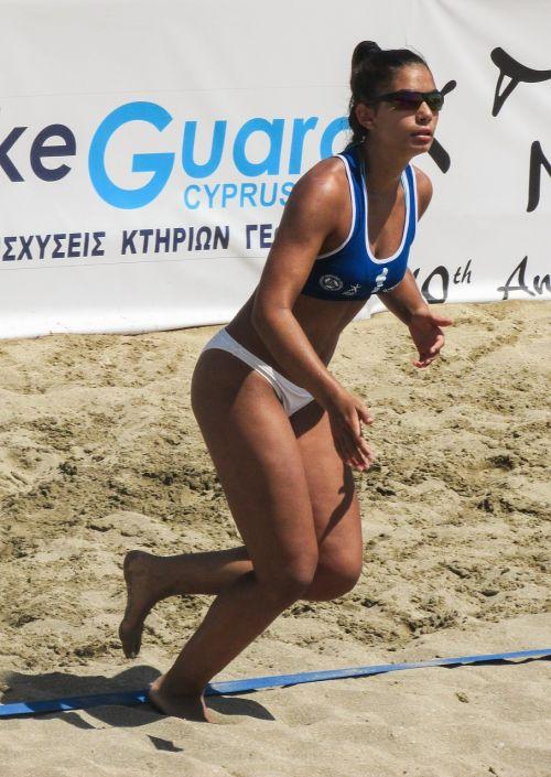 paplūdimio tinklinis,Sportas,volley,tinklinis,vasara,Moteris,jaunas,fitnesas,aktyvus,smėlis,sportininkas,mergaitė,moteris,veiksmas,moters fitnesas,veikla