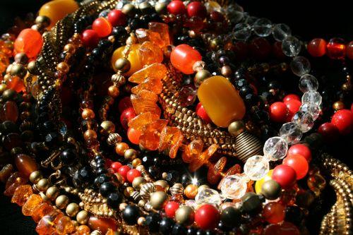 karoliukai,karoliukai,daugiaspalvis,gintaras,ametistas,stikliniai karoliukai,raudona,geltona,violetinė,auksas,kristalas,apvalus,briaunuotas,natūralus gintaras,kietos gintaro karoliukai,metalinės karoliukai,karoliukų stygos,meniškai štampuoti karoliukai,karoliai,papuošalai,papuošalai,dekoratyvinis,hobis,šviesus