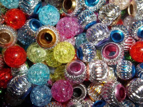 karoliukai,amatų,spalva,spalvinga,apdaila,rankų darbo,spindesys,dizainas,mada,linksma,karnavalas,multi,kūrybiškumas,brangakmenis,blizgantis,spalvos,šventė,vakarėlis,ornamentas