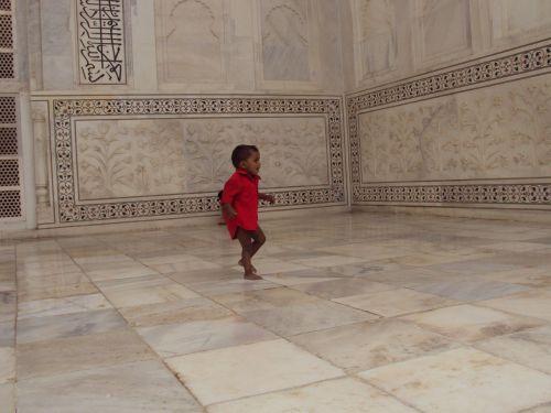 Beautiful Life In Beautiful Taj