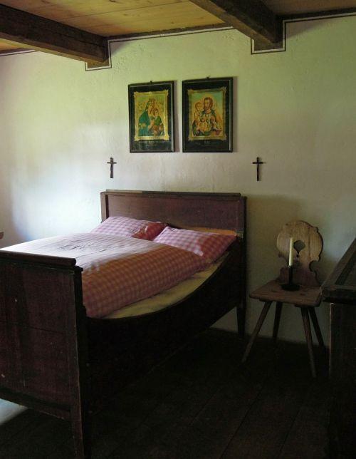 lova,kūdikių kambarys,miegamoji vieta,gultai,medinė lova,Senovinis,nostalgija,miegoti,miegamasis,kambarys,apgyvendinimas,dvigulė lova