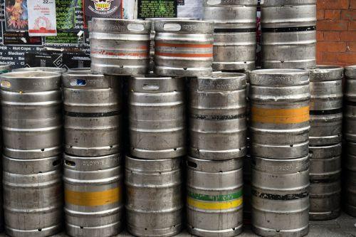 alus,alaus bake,metalas,gerti,cilindras,alaus darykla,festivalis,švesti,alaus turtas,mažos alaus kameros,atsargos,sukrauti,gastronomija,vakarėlis