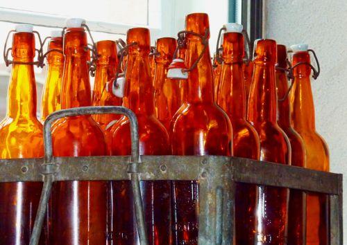 alaus butelis,alaus butelis,alus,butelis,stiklinis butelis,butelio kakliukas,alkoholinis gėrimas,švesti,uždarymas,gerti,baras,alkoholis,skonis,alaus dėžė