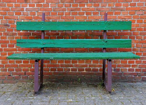 stendas,senas stendas,senas,sėdynė,out,medinis stendas,ištemptas,poilsis,sėdėti,atsigavimas,nostalgija,banko sėdynė,idilija,vienatvė,siena,poilsio vieta,išsiskirti,Senovinis,sodyba