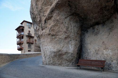 stendas,niekinis,namie,kabantys namai,grindinis akmuo,akmuo,cuenca,kelias,Ispanija