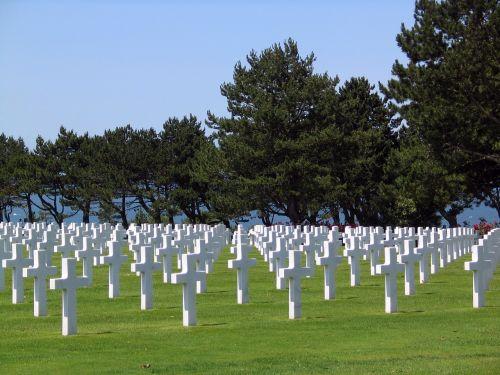 praradimas,laidojimas,kapinės,šventoriaus,priėmimas,kripta,dday,D-diena,mirtis,mirtis,mirtis,įsibrovimas,laidotuves,vaiduoklis,kapai,kapinės,kapinės,apsėstas,kapinės,internavimas,praradimas,mauzoliejus,paminklas,paminklas,praeina,liūdnas,kapas,rimtas,iškilmingas,kareivis,liūdnas,baisu,kapai,kapinės,karas,karo zona,atminimo diena