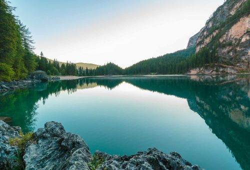 Bergsee,ežeras,dolomitai,kalninis ežeras,gamta,vanduo,kraštovaizdis,South Tyrol,pragser wildsee,tapetai,hd tapetai,gamtos tapetai