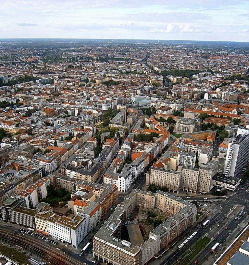 Berlynas,miestas,didelis miestas,didelis,vaizdas,miesto,perspektyva,paukščio skrydžio vaizdas,dangus,debesys,pastatas,architektūra,Vokietija,horizontas,Europa,namai,namai,kapitalas,šiuolaikiška