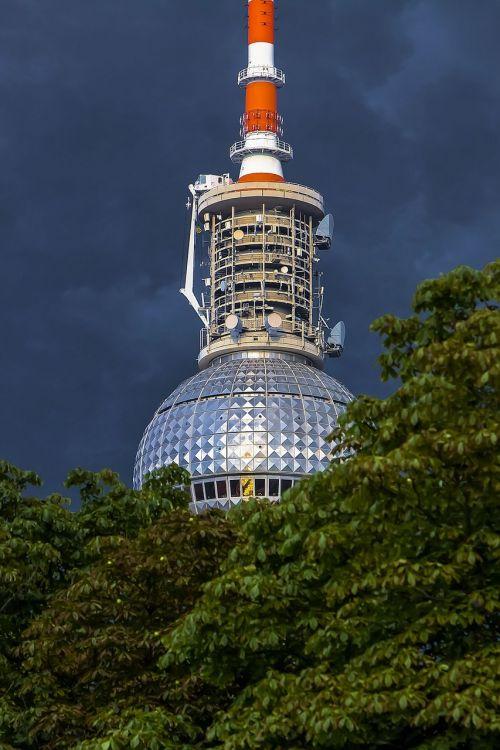 Berlynas,pastatas,tv bokštas,gewitterstimmung