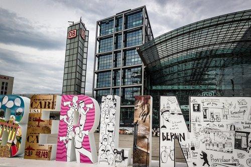 Berlynas, Centrinė stotis, menas, skulptūra, montavimo, kūrinys, Graffiti, menininkai, laisvė, kapitalas, Berlyno centrinė stotis