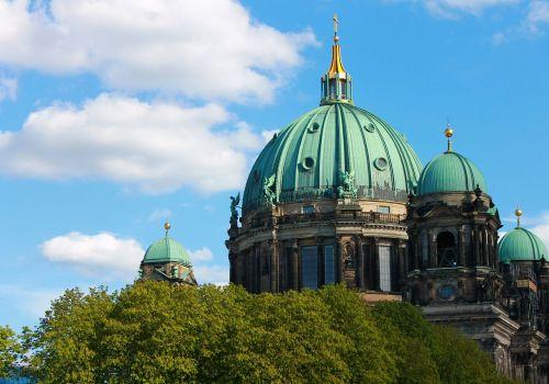 Berlyno katedra,katedros kupolas,dangus,mėlynas,Berlynas,kapitalas,lankytinos vietos,istoriškai,pastatas,architektūra,Vokietija,senas,bažnyčia,kupolas,miestas