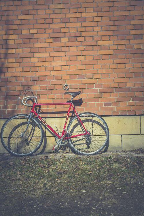 dviratis,dviratis,classi bike,klasikinis,švarus,karūnėlių pavara,ciklą,dviračiu,rėmas,laisvoji rankena,pavarų stebulė,pavarų žiedas,didelis greitis,hipster,minimalus,senovinis automobilis,lenktynės,lenktyninis dviratis,retro,vienvietis greitis,greitis,plienas,stilius,madinga,miesto