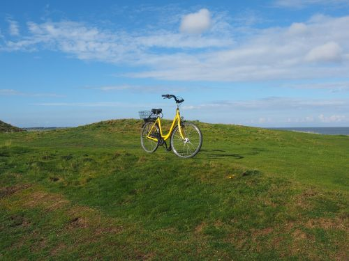 pasivažinėjimas dviračiu,dviračių kelionė,dviratis,dviračiu,laisvalaikis,ratas,šventė,ciklą,atsigavimas,kraštovaizdis,sylt,keitum,kopų kraštovaizdis,daugiau,dviračių krepšelis,po dviračiu,postradas,po dviračiu,mobilumas,ekologiškas,pašto dviratininkas