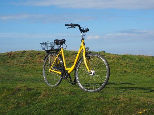 pasivažinėjimas dviračiu,dviračių kelionė,dviratis,dviračiu,leihfarrad,laisvalaikis,ratas,šventė,ciklą,atsigavimas,kraštovaizdis,sylt,keitum,kopų kraštovaizdis,daugiau,dviračių krepšelis,po dviračiu,postradas,po dviračiu,mobilumas,ekologiškas,pašto dviratininkas,post botenradas