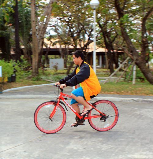 dviračiu, dviračiu, dviračiu, linksma, mėgautis, laimingas, berniukas, vaikas, geltona striukė, dviratis, pedalai, Jodinėjimas, transportas, ratai, ratas, poilsis, sportas, jodinėjimas & nbsp, dviračiu, važiuoti, įrankis, dviračiu
