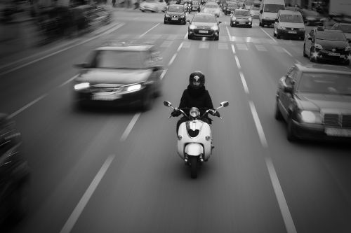 dviračiu,barcelona,miestas,motociklas,b w,turizmas,juoda ir balta,vienspalvis,kelias,priartinti,priartinti blur,kelionė