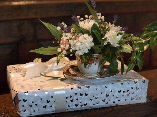 gimtadienis,siuntas,gėlės,vis dar gyvenimas