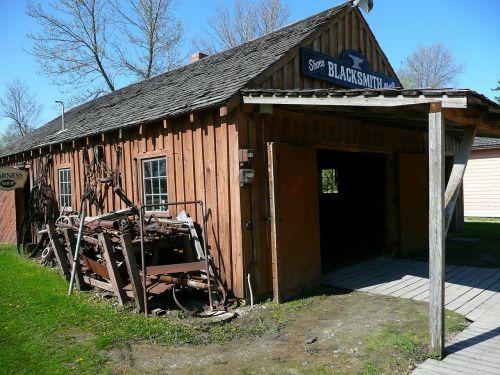 kalvis,parduotuvė,steinbach,Mennonito palikuonys,manitoba,Kanada,pastatas,namas,istorija