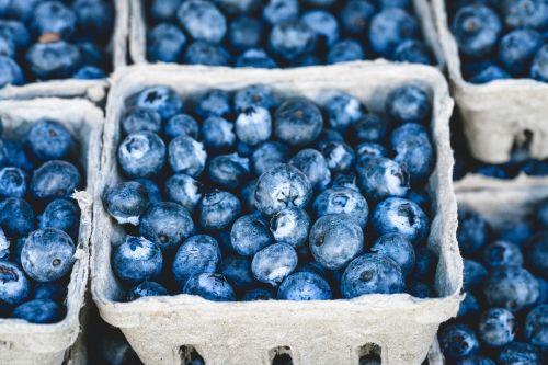 mėlynas,mėlynieji,skanus,vaisiai,maistas,desertas,saldus,sveikas,ekologiškas,raudona,uogos,sultingas,vasara,spalvinga,prinokę,skanus,šviežias vaisius,šviežumas,žaliavinis,vegetariškas,natūralus maistas,vaisiai ir daržovės,organinis maistas,ingridientai,Sveikas maistas,žalias maistas,šviežias maistas,sveika mityba,vitaminas,sveikai maitintis,užkandis,dieta,Sveikas maistas