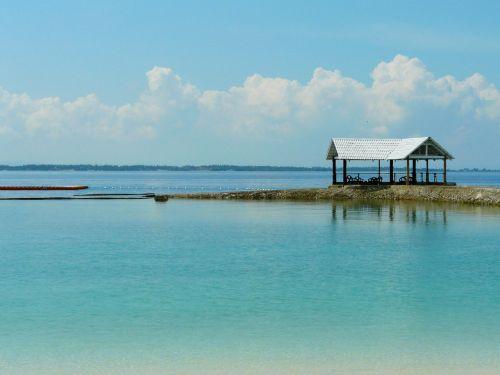 mėlyna jūra,skaidrus vanduo,kurortas,gražus peizažas,Jūros vaizdas,papludimys,costabella kurortas,Cebu,Filipinai