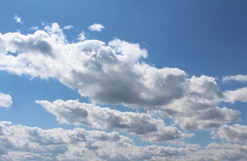 mėlynas dangus,debesys,balta,mėlynas,cumulus mediocris,cumulus humilis puikus oras,kubo debesys,saulėta diena,saulėtas,pavasario diena,vandens garai,drėgmė,rasos taškas,drėgmė,kondensatas,atmosfera,termalai,saulės spindulys,oras,klimatas,cloudscape,debesys formos,pavasaris,spalvingas