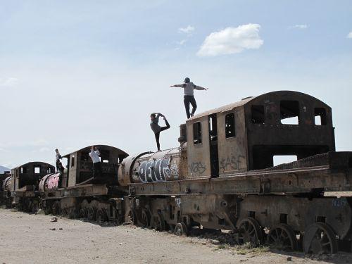 Bolivija,traukiniai,griuvėsiai