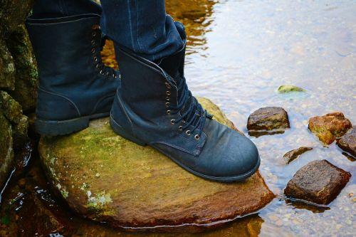 batai,pėdos,vanduo,vandens kelias,saugus,saugumas,Rokas,Slidu,loolecondera,delta,Šri Lanka,ceilonas