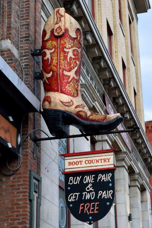 batai & nbsp, & nbsp, pardavimui, Našvilis & nbsp, Tennessee, turizmas, garsus & nbsp, vieta, ženklas, vieta, valstybė, Tennessee, kelionė, žinomas, eksterjeras, fasadas, usa, diena, istorinis, atostogos, pritraukimas, kapitalas, reklamuoti, prekes, parduotuvė, laikyti, šalis vakarinėje vakarinėje dalyje, nuosmukis, batai pardavimui ženklas