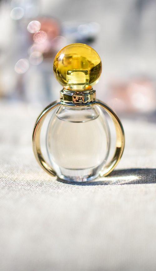 butelis,Kvepalai,kvepalų butelis,stiklas,kvapas,aromatas,kvapas,kvepalai,purkšti,prabanga,skystas,aromatiniai,Kelnas,kvapas