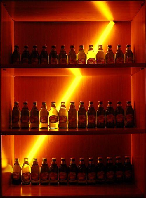 buteliai,lentynos,gėrimai,stiklas,šviesa,gėrimai,modelis,laikyti