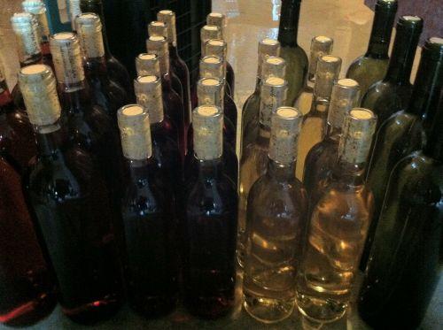 buteliai,vynas,keller