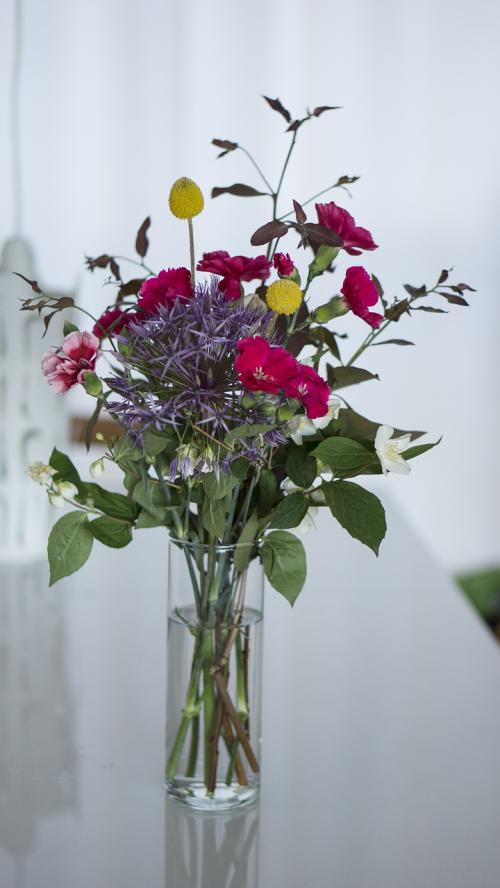 puokštė,gėlių puokštė,gėlės,patalpose,patalpose,vazos
