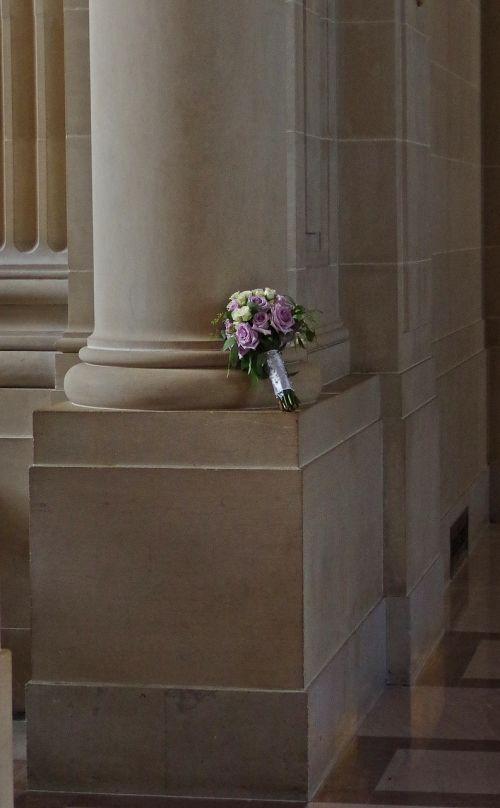 puokštė,Vestuvės,gėlės,vestuvių puokštė,rožių puokštė,strausas,sveikinu,išaugo žydėti,tuoktis,meilė,vestuvių puokštė,gėlių puokštė,balta,romantiškas,rožinis,floristika,augalas,ramstis,marmuras,architektūra,pastatas