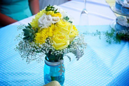 kūdikio kvėpavimas, puokštė, ceremonija, gėlių, gėlių & nbsp, susitarimas, floristas, gėlių & nbsp, susitarimas, stalas & nbsp, audinys, Vestuvės, vestuvių & nbsp, priėmimas, geltonos spalvos & nbsp, gėlės, geltonųjų rožių puokštė