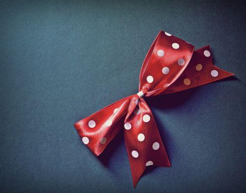 lankas,taškeliai,raudona