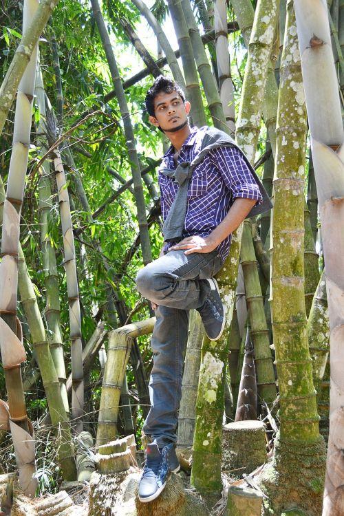 berniukas,jaunimas,jaunas,vyras,kelti,mada,modelis,sodas,Šri Lanka,gamta,ceilonas,Mawanella,peradniya
